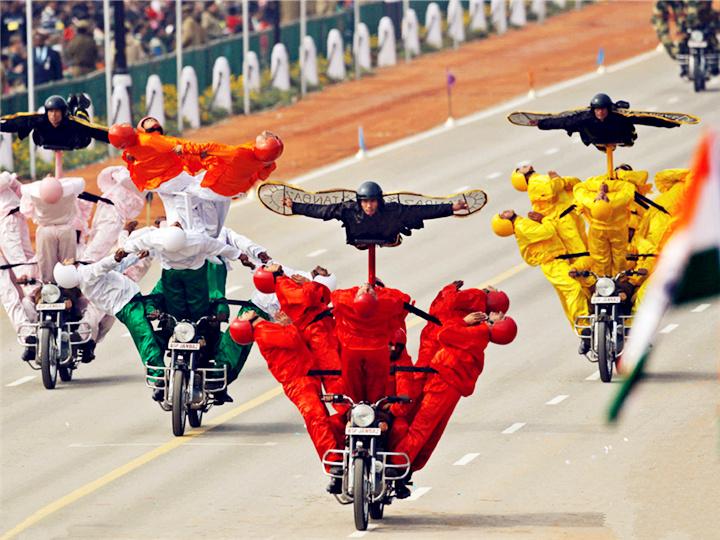 看印度阅兵,就跟看杂耍一样...