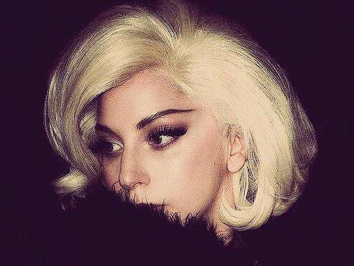 资生堂的广告竟然是Lady Gaga的50张自拍照