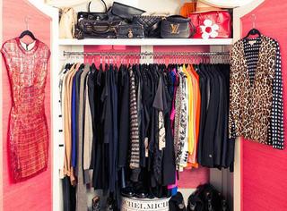 有一个衣柜我们都想打开 - 米兰达·可儿的大衣橱