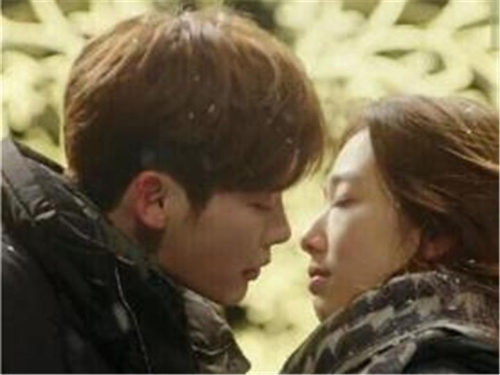 """有一种吻戏叫""""韩剧的第八集""""!"""