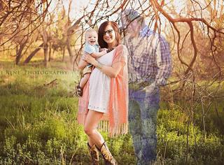摄影师把幽灵爸爸照进相片,第一次和宝宝相聚
