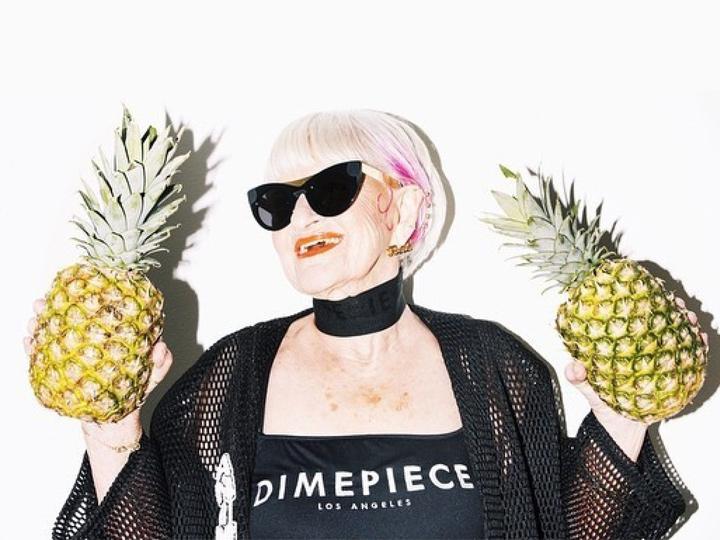 谁说老了就不时尚 她86岁了照样为泳装代言