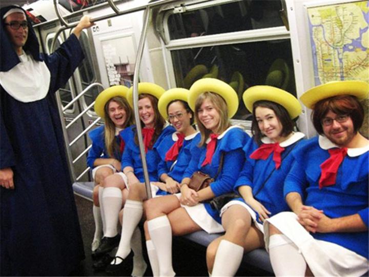 看完這15張圖,你就知道地鐵是多么奇葩的地方了...