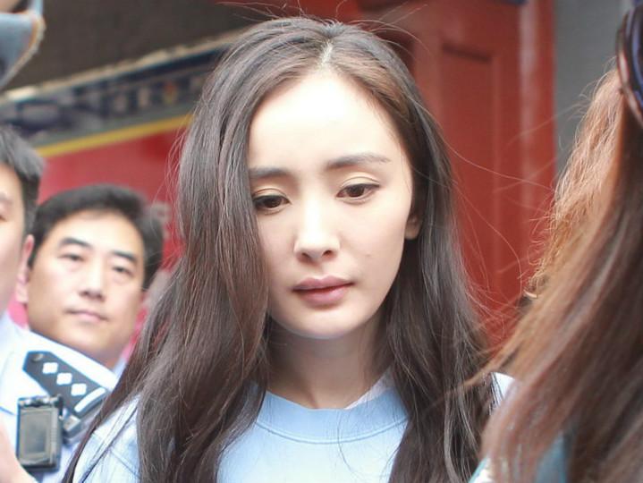 不雅视频曝光后,杨幂、李小璐、邓紫棋是这样做的...