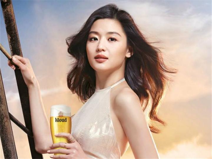全智贤拍个啤酒广告都美的像大片一样!